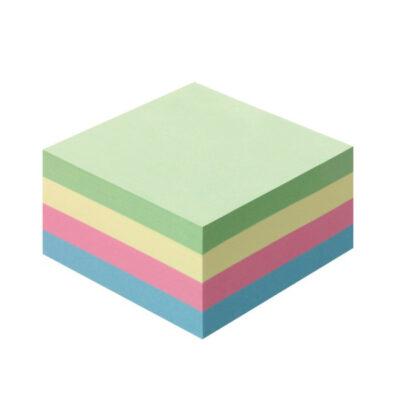 Χρωματιστά αυτοκόλλητα χαρτάκια κύβου.